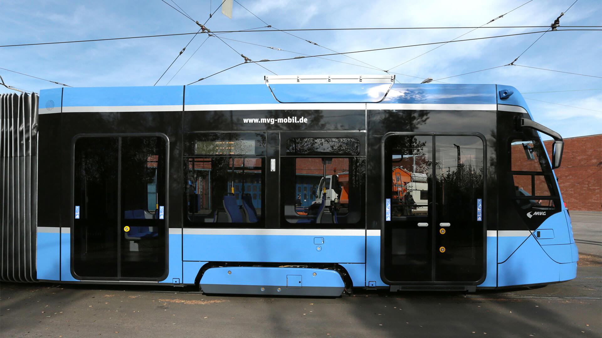 Straßenbahn Avenio in München mit Taster von TSL
