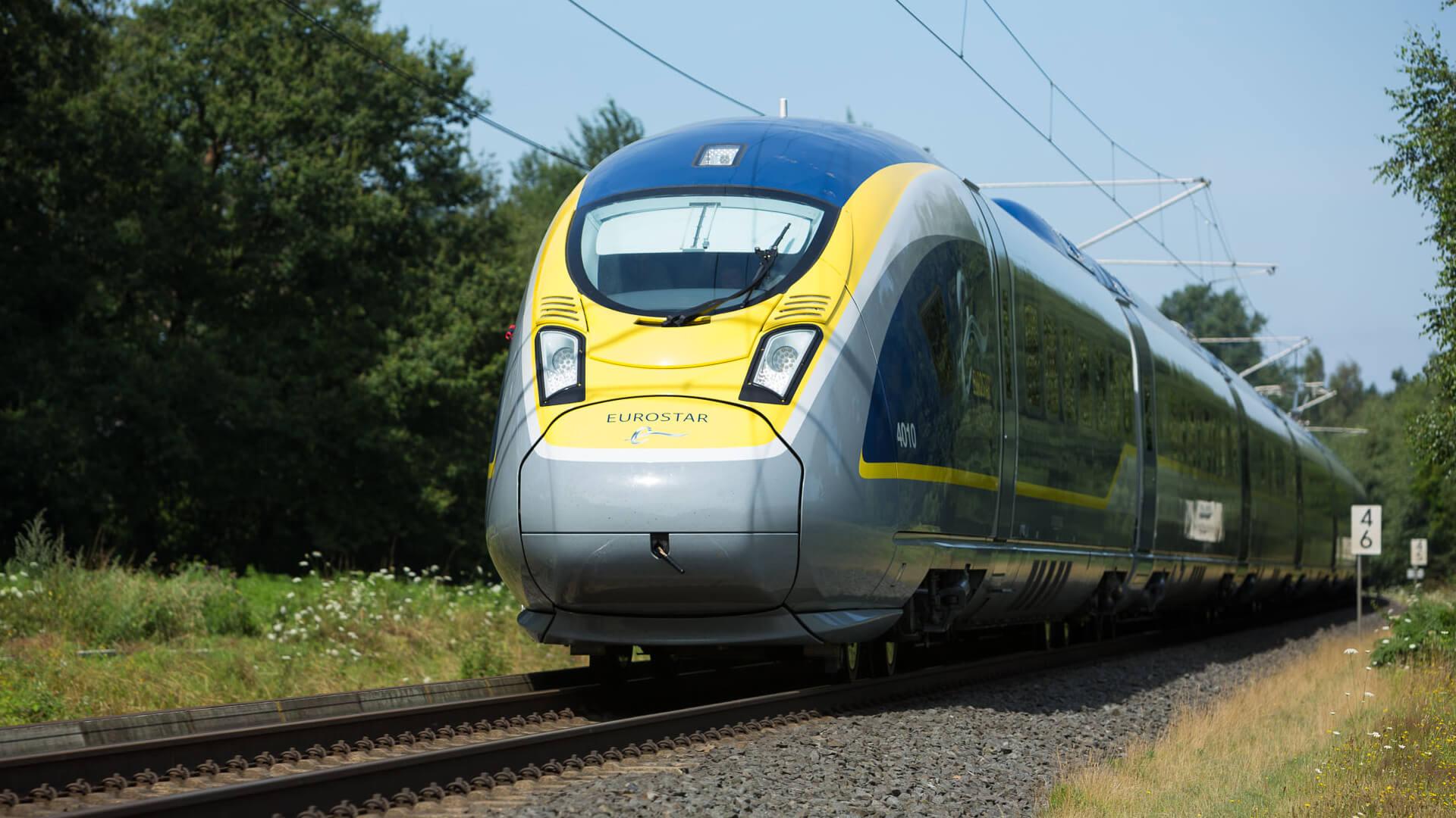Eurostar 320 E320 fahrend