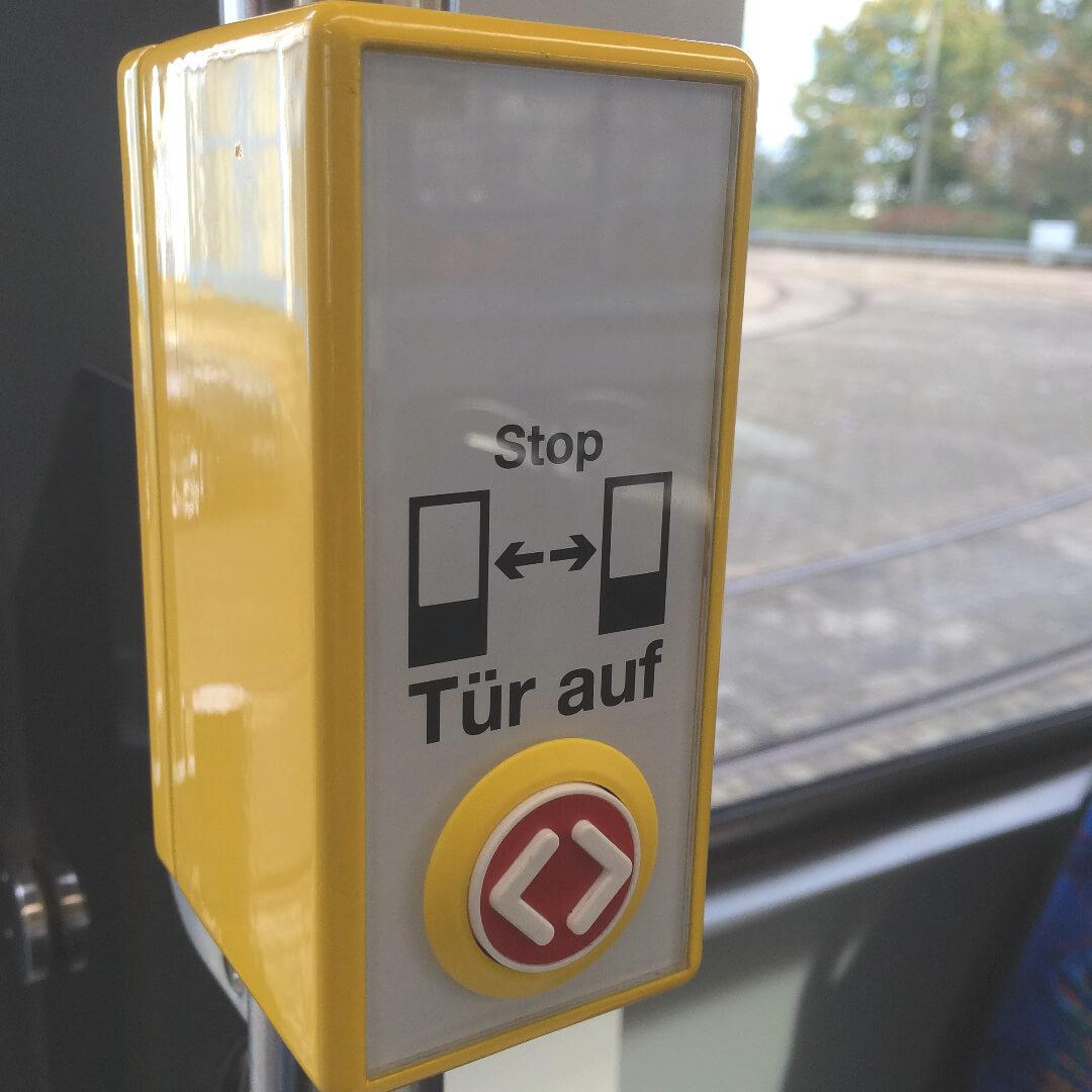 Türsteuergerät TSG101 zum Türen öffnen im Bus