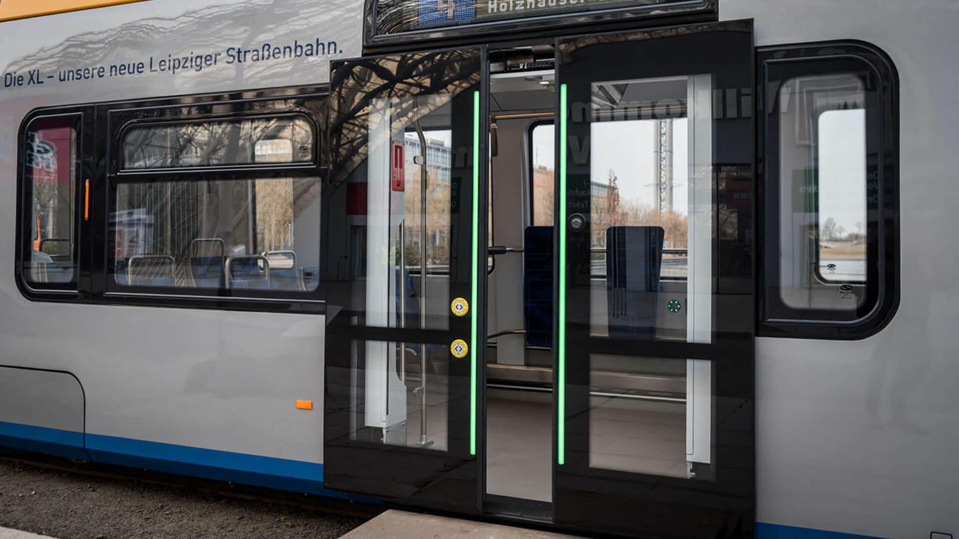 Straßenbahn Leipzig Taster PK52 Leuchtstreifen TSL