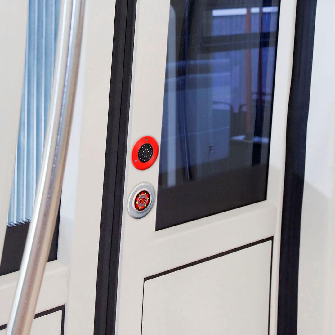 Warnmelder WM87 und PK23-S Taster der TSL im Türbereich